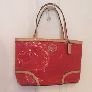 *MAKE OFFERS!* Coach Peyton Embossed Leather Tote